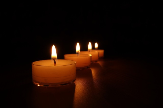 tea-lights-488569_1280